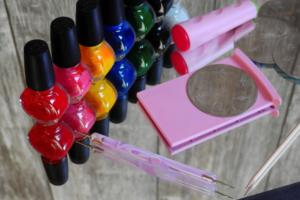 Одеваем ногти в модные цвета