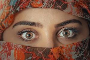 5 народных средств, чтобы убрать темные круги под глазами