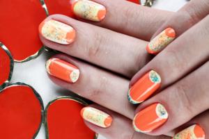 Апельсиновое настроение: 6 шагов к самому креативному маникюру этой весны