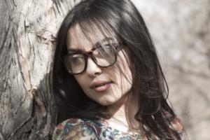 Правила макияжа для женщин в очках