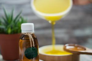 Опять масленица: как правильно использовать масла в уходе за собой